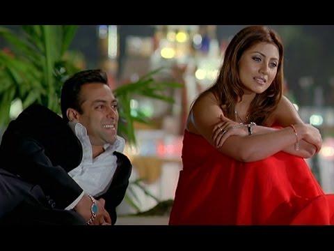 Salman Khan intentionally throws Rimi Sen into the pool