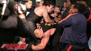 Brock Lesnar und der Undertaker prügeln sich Backstage: Raw – 20. Juli 2015