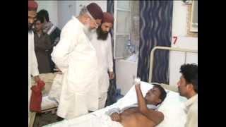 ٹوبہ مولانا محمد احمد لدھیانوی کی زخمیو ں کی عیادت