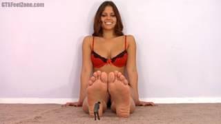 cali logan massage giantess