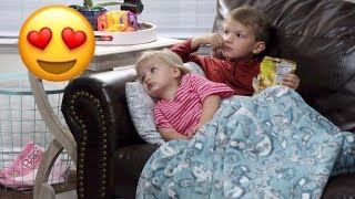 UNFORGETTABLY PRECIOUS MOMENT BETWEEN BROTHER AND SISTER CAUGHT ON CAMERA
