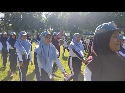 Pembekalan Disiplin melalui PBB bagi Siswa Siswi SMA Negeri 2 Kota Probolinggo oleh Kodim 0820