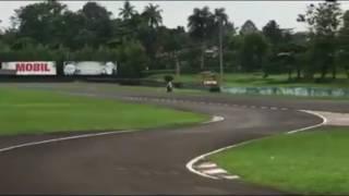 Adu balap Honda Cbr250rr vs Yamaha R25 vs Kawasaki Ninja250 di sentul...Cbr250rr menang?