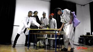 """شباب زاكورة يقدمون مسرحية بعنوان """"كلنا من اجل اعادة النظر في منظومة التعليم"""""""