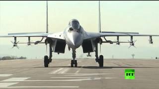 """لأول مرة المقاتلة """"سو35"""" تظهر في مطار حميميم باللاذقية"""