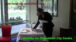 Tisch eindecken - 4-Gang-Menü / Holiday Inn Düsseldorf City Centre-Königsallee