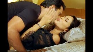 Mallika Sherawat and Himanshu Malik Scene - Khwahish - Bollywood Scene