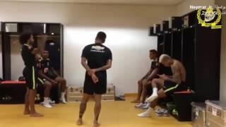 رقص لاعبي المنتخب البرازيل مارسيلو نيمار  على اغنيه ساجده عبيد