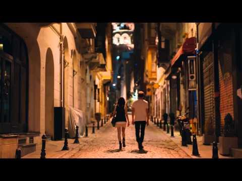 Bu İşte Bir Yalnızlık Var Klip