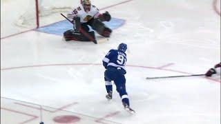 Crawford robs Stamkos after bad line change by Blackhawks