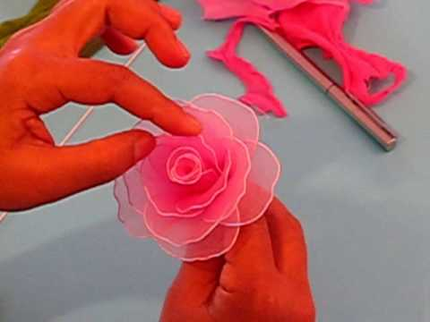 Fabrication d une rose en collant Nylon Rose