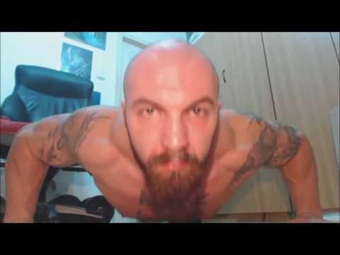 Muscle Viking NAked! Pushups & Flexing