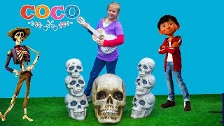 COCO Disney Pixar Assistant Miguel Hunt for Ernesto Guitar with Vampirina + Elena of Avalor