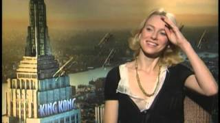 Naomi Watts talks  King Kong with Jimmy Carter