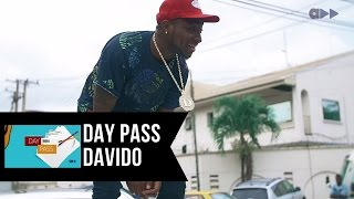 BADDEST!! Davido gets mobbed on the streets of Lagos