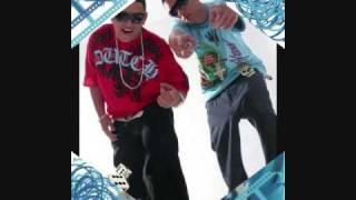 Ñengo Flow Ft. Galante & KillaToneZ Y Farruko - Escala A Mi Cama