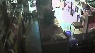 #طنطا   فيديو للحرامية اللي دخلوا برشاشات على صيدلية الاستاد