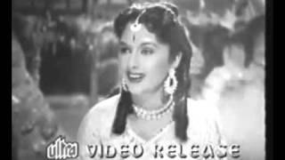youtube.com.Kahan Le Chale Ho Bata Do Musafir DURGESH NANDINI (1956).avi - YouTube.flv