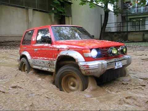 Tamiya CC 01 Jeep Wrangler YJ and Mitsubishi Pajero The Wet Trail