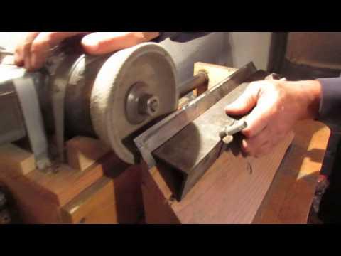самодельный станок для заточки строгальных ножей деревообрабатывающего станка был