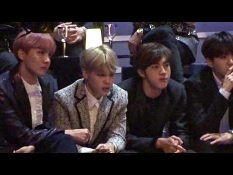 161202 - 2016 MAMA MNET Asia Music Awards - BTS and EXO's reaction when GFRIEND was singing (Fancam)