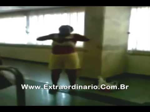 Racismo Negra é discriminada no Banco do Brasil