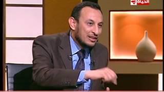"""بوضوح - الشيخ رمضان عبد المعز ... يرد على شخص يقول إن الطواف حول الكعبة """"إنه من الوثنية """""""