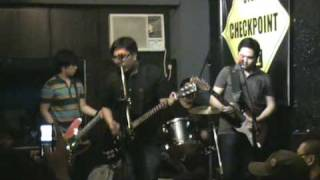 Itchyworms - Penge Naman Ako Niyan (live @ Checkpoint Bar)