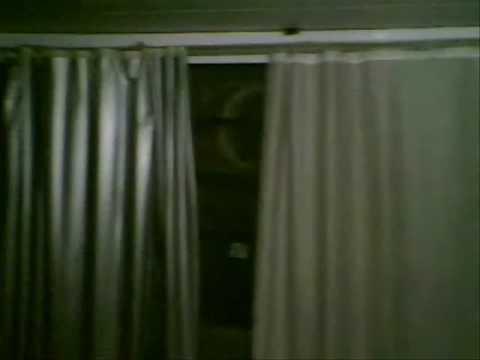 Imagem macabra na janela
