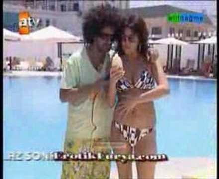 tuğba ekinci bikini ve bacak show