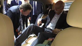 السيارة التي جذبت انظار مدير شركة مرسيدس في معرض جنيف 2016