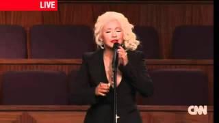 Christina Aguilera, menstruation on live !!!