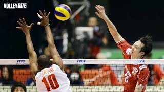 SPIKE ON THE PALM | Top 25 Volleyball Success Points