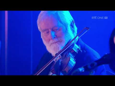 Leaving of LiverpoolTell Me Ma - Trad Medley | The Late Late Show | RTÉ One