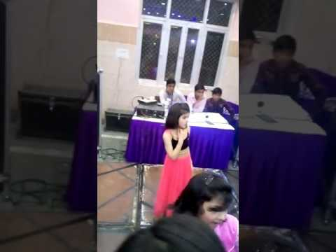 Meri Desi look...Very Cute Girl Dance  on DJ.... Awesome