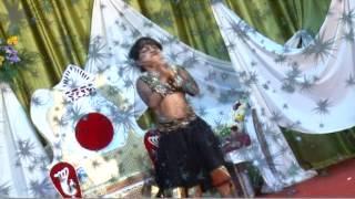 6 years old dancing hindi song