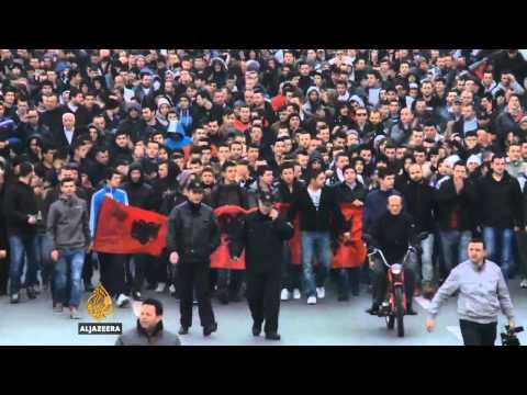 Desetine povrijeđenih u neredima u Skoplju Al Jazeera Balkans