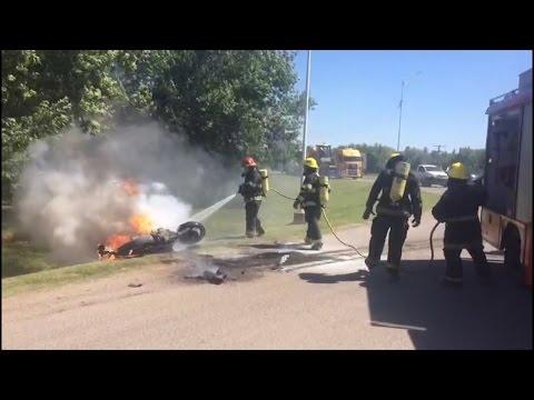 MIRÁ EL VIDEO Fuerte accidente entre una moto y un camión