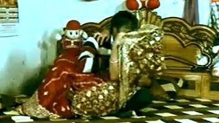 Hot New Marriage Couple Night Video |Piya Kiss Karela | Bhojpuri New Hot Couple Video