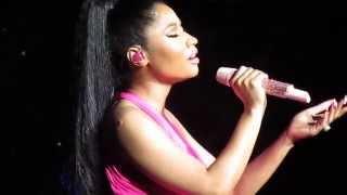 """Nicki Minaj  """"Grand Piano"""" Live"""