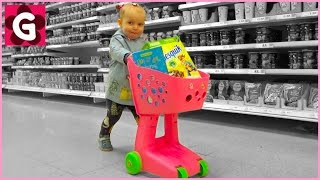 Little Baby Loves Doing Grocery Shopping / Supermarket Song