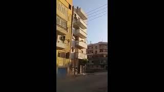شاهد لحظة سقوط مبنى في سوهاج بصعيد مصر - 8/2017
