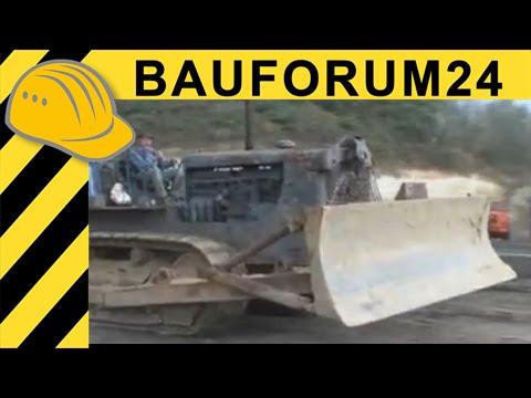Historische Baumaschinen in Action CAT D8 Poclain 350 Faun L1206 Kippertreffen Bauforum24