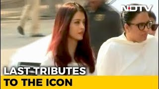 Thousands Gather To Pay Tribute To Sridevi In Mumbai