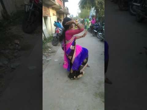 Desi village bhojpuri song dance