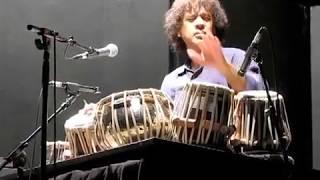 A very nice performance by Zakir Hussain