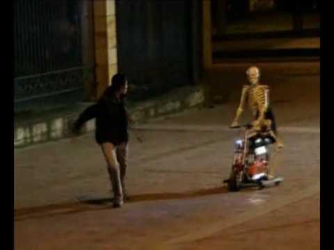 Tambien caeras Esqueleto en moto