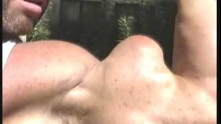 Bodybuilder Brad Hollibaugh freaky biceps - Guns 2002