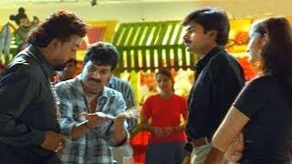 Badri Fight Scene - Rowdy's Do Raging On Vennela - Pavan Kalyan - HD