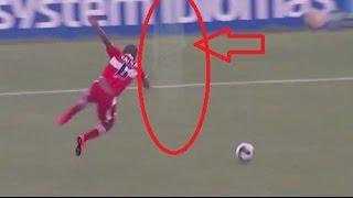 FANTASMA ataca un futbolista en pleno partido en Brazil